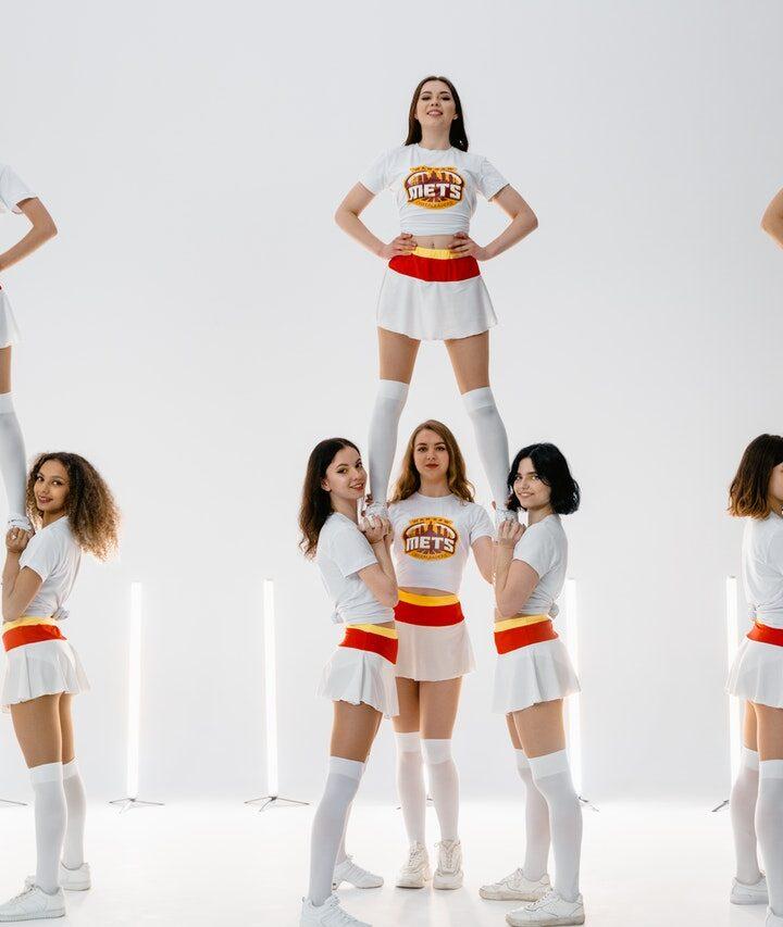 How many calories does cheerleading burn?