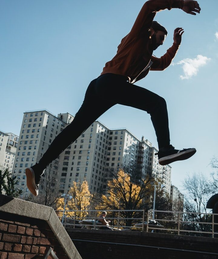 What is the difference between free-running and parkour?