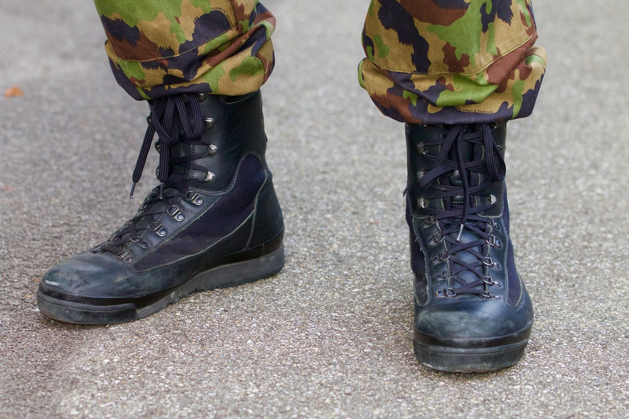 Are military boots good for running?