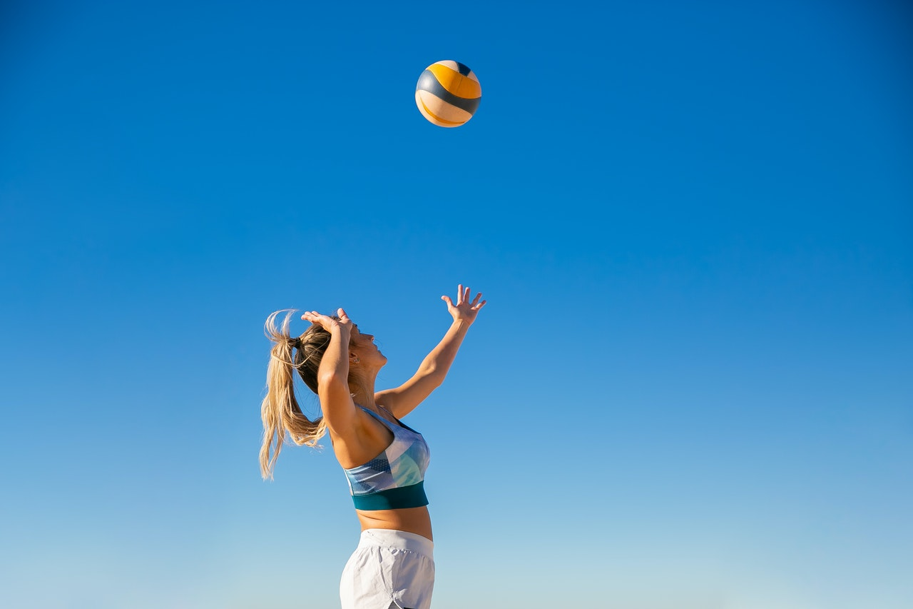 Can you do volleyball and cheerleading?